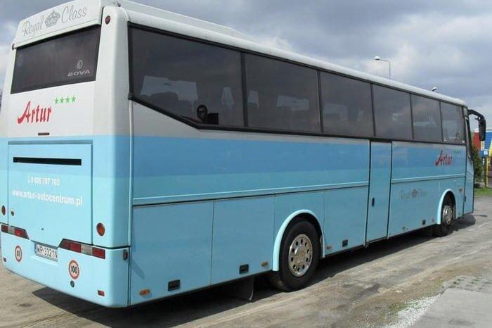 autokarBOVA4-min